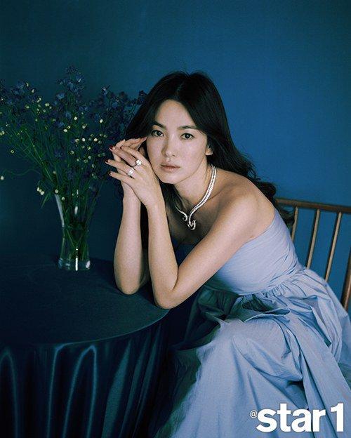 Song Hye Kyo évoque la vie de célébrité le temps d'une entrevue avec @star1