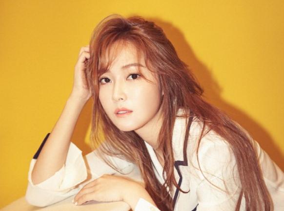 Jessica attaque en justice deux internautes la critiquant depuis quelques mois