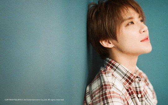 Junsu de JYJ habla sobre su deseo de volverse más cercano a su compañero de agencia Ryu Jun Yeol