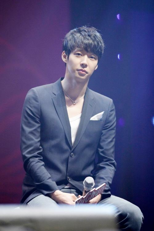 Se reporta que los cargos por agresión sexual habrían sido retirados, la agencia de Park Yoochun responde