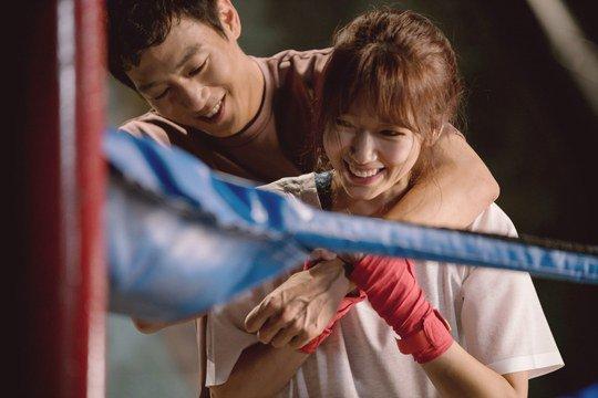 """Park Shin Hye y Kim Rae Won son dulces en detrás de cámaras del momento más visto en """"Doctors"""""""