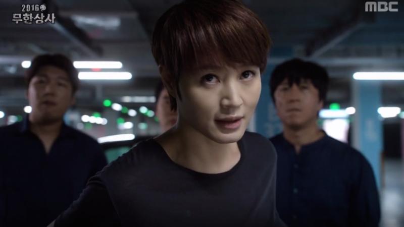 """Kim Hye Soo hace un fabuloso regreso como su personaje de """"Signal"""" en """"Muhan Company"""""""