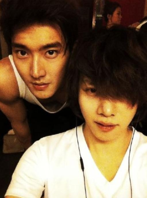 heechuls-selca-with-siwon-i-wanna-marry-a-foreign-girl_image