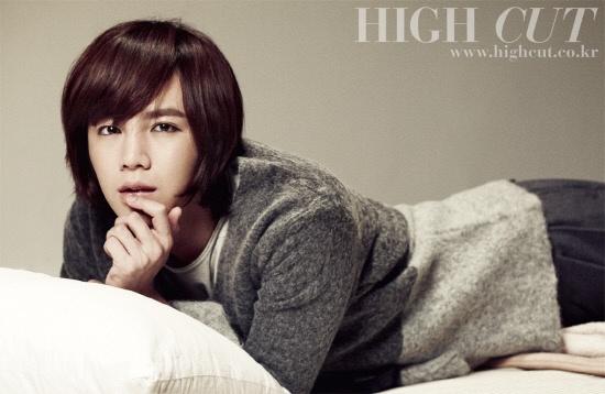 jang-geun-suk-is-both-retro-and-modern-in-high-cut-korea-shoot_image