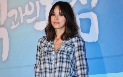 lee-hyori-apologizes-for-her-leather-jacket-controversy_image