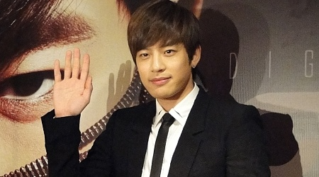 se7ens-first-overseas-promotion-for-digital-bounce_image