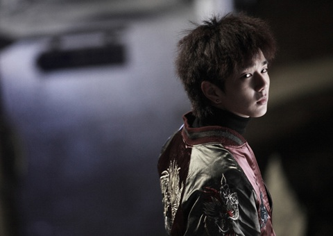 yoo-seung-hos-striking-transformation-as-tough-guy-in-blind-1_image
