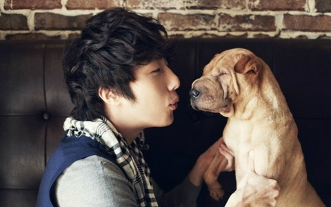 jung-il-woo-with-his-new-puppy-in-ceci_image