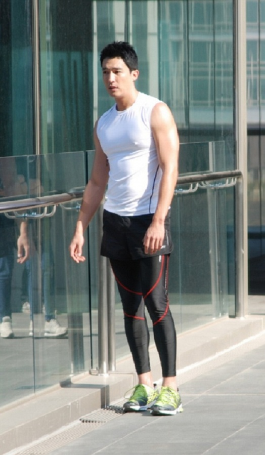 daniel-henney-in-tights_image