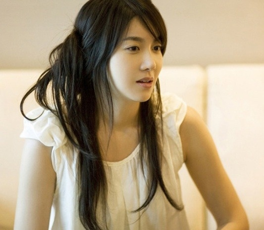 "Lee Ji Ah to Model for ""Diablo 3"""