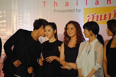 are-2pms-taecyeon-and-wgs-sohee-sharing-secrets_image
