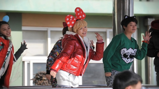 snsd-sunny-briefly-wows-viewers-with-glamorous-body_image
