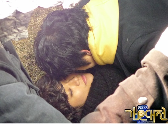 photos-from-wooyoung-and-junhos-kiss-scene-revealed_image