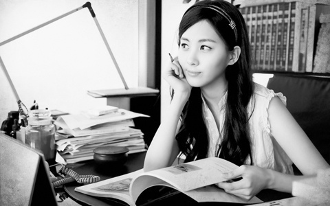 where-is-girls-generation-seohyun-behind-the_image