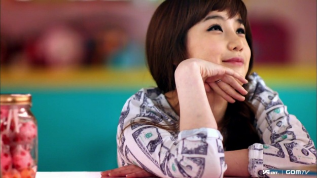 past-photos-of-park-bom-are-revealed_image