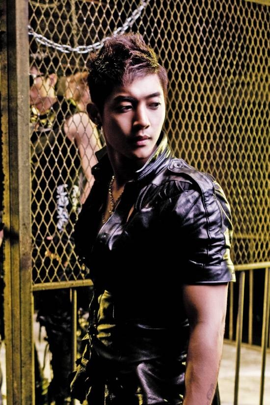 kim-hyun-joong-wins-over-the-hearts-of-vietnamese-fans_image