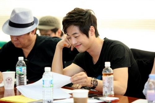 kim-jae-won-suspends-all-activities-due-to-shoulder-injury_image
