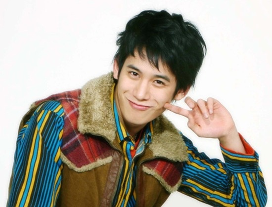 actor-park-ki-woong-plays-an-idol-in-full-house-2_image