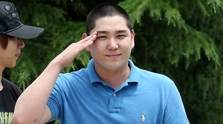 kangin-leaves-for-army_image