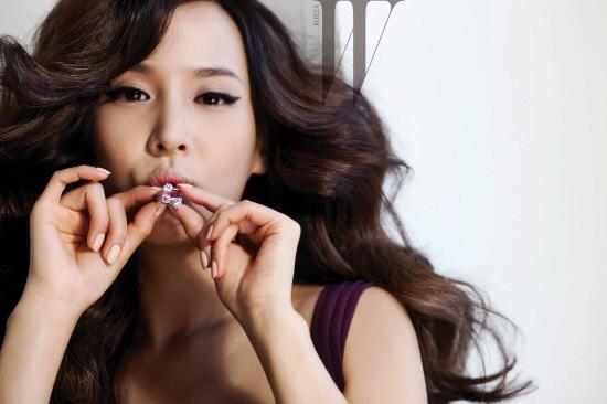 actress-jo-yeojeong-7-billion-won-pink-diamond-photoshoot_image