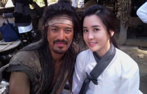 """Chuno"" Couple Oh Ji Ho and Lee Da Hae to Appear in ""Running Man"""