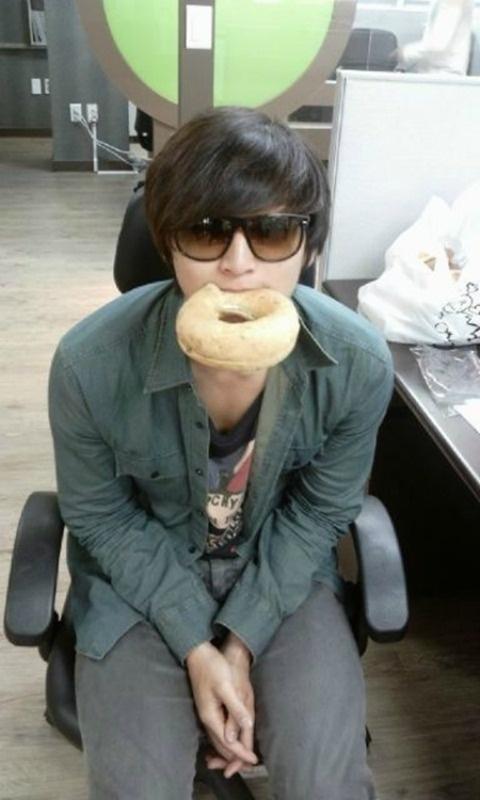 is-2ams-jinwoon-the-bagel-boy_image