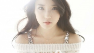 iu-and-kara-on-japanese-catwalk_image