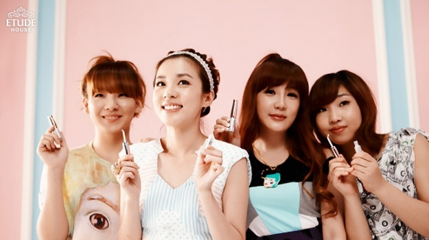 2ne1-smiles-for-etude-house_image