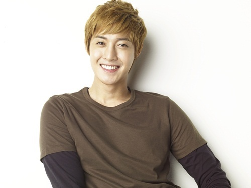 kim-hyun-joong-picked-as-main-model-for-japanese-clothing-brand_image