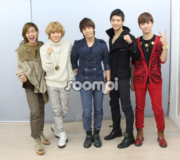 shinee-video-shoutout-to-soompi-fans-with-english_image