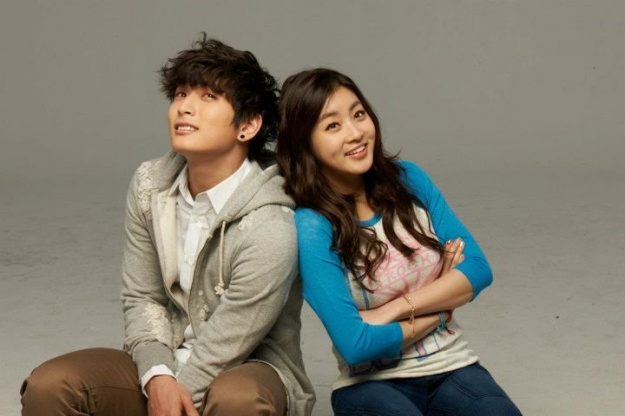 dream-high-season-2-kang-sora-and-jung-jinwoons-button-kiss-excites-viewers_image