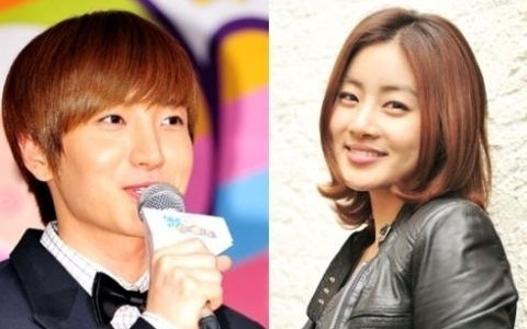 wgms-leeteuk-serenades-kang-sora-at-the-super-junior-the-world-tour-super-show-4_image