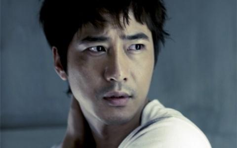 kang-ji-hwan-lookin-fine-for-cosmo_image