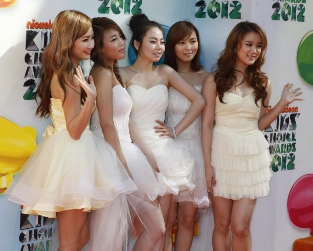 The Wonder Girls Attend the Kids' Choice Awards