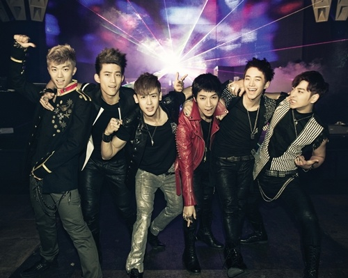 "2PM to Hold ""Hi-5 Session"" in Malaysia"