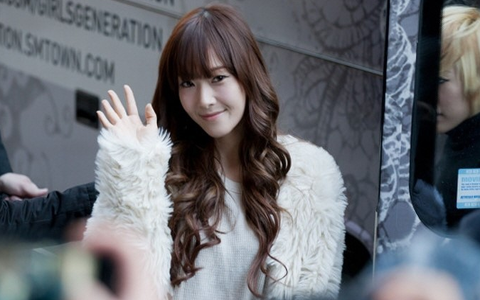 Girls' Generation Jessica Benefits from the Power of Photoshop?