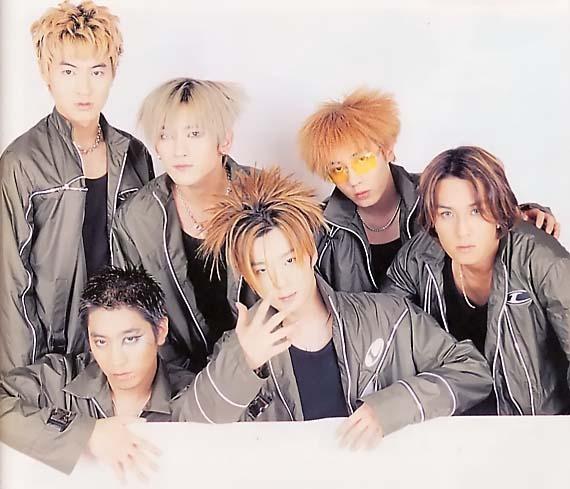 Shinhwa Members Take a Trip Down Memory Lane