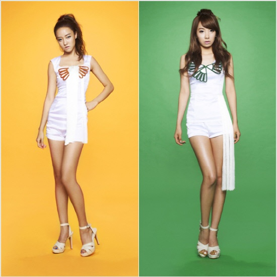 Rainbow's Ji Sook and Go Woori in Matching One-Piece Dresses