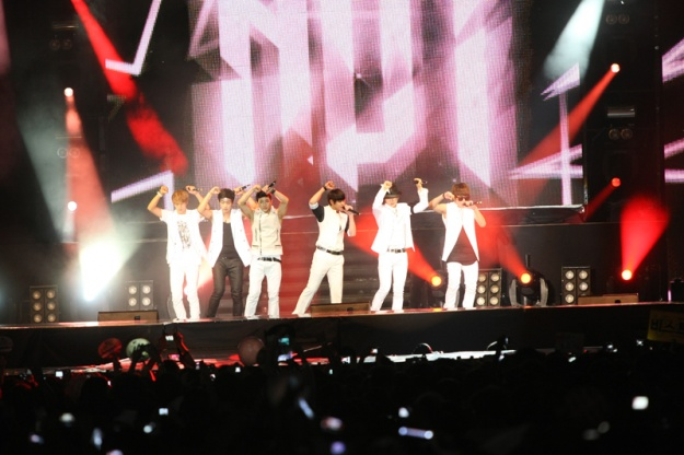 BEAST Performs at MTV World Stage Live In Malaysia 2011