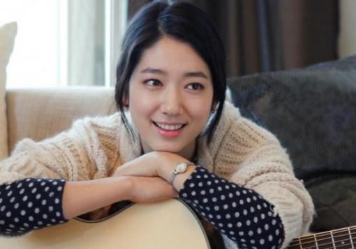 """Park Shin Hye Is a True """"Bagel Girl"""""""
