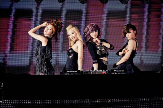 """Secret Wraps Up Promotions for """"Love Is Move"""" Without Hyosung"""