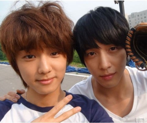 CNBlue Kang Min Hyuk Expresses his Gratitude towards Jung Yong Hwa