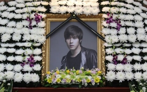 Friends and Family Say Their Final Farewells to Chae Dong Ha