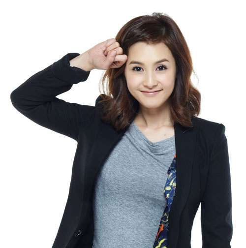 """Kang Hye Jung: """"Being Married is Awesome"""""""