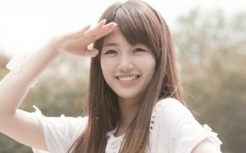 miss A Suzy's Head Is the Size of a Coffee Tumbler!