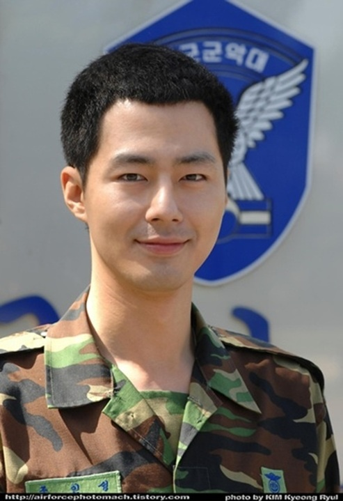 Jo In Sung to Return from the Air Force on May 4th