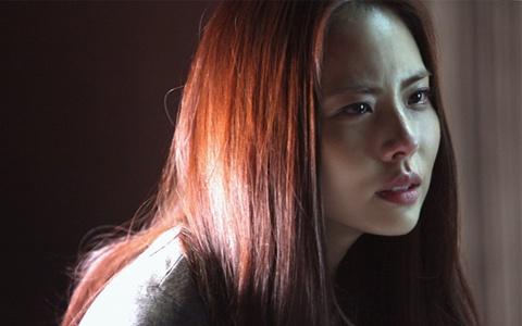 """Park Ji Yoon as a Femme Fatale in """"Goodbye Wife"""""""