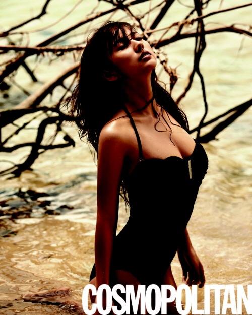 Lee Hyori's Sexy and Glamorous Cosmopolitan Photo Shoot