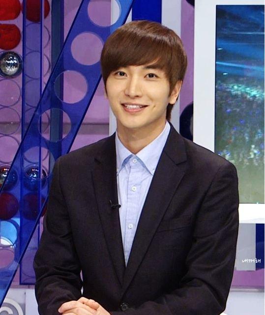 Fans Show Concern Over Super Junior's Leeteuk's Latest Tweet