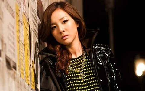 2NE1's Dara Keeps Fans Laughing During Chuseok Holidays